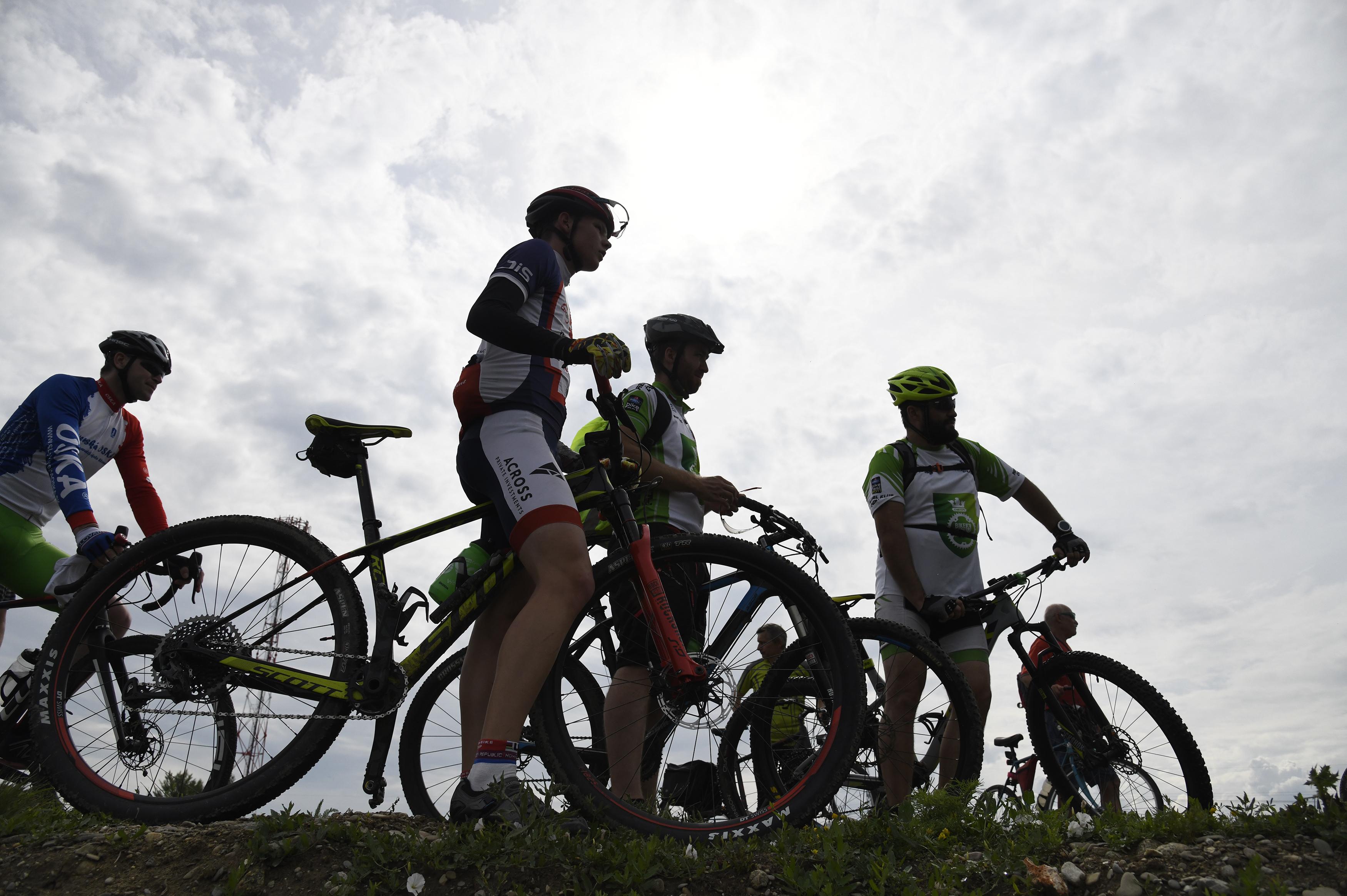 7be020b80 Prvý z ôsmich úsekov cyklotrasy spája katastrálne územia štyroch obcí (Horná  Streda, Brunovce, Potvorice, Považany) s Novým Mestom nad Váhom.